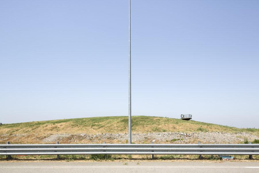 Luca Rotondo fotografo quartiere Santa Giulia Milano progetto di Norman Foster terreni inquinati posti sotto sequestro